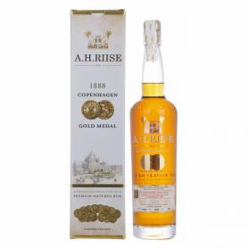 RHUM A.H. RIISE 1888 COPENHAGEN GOLDMEDAL CL.70 WITH CASE